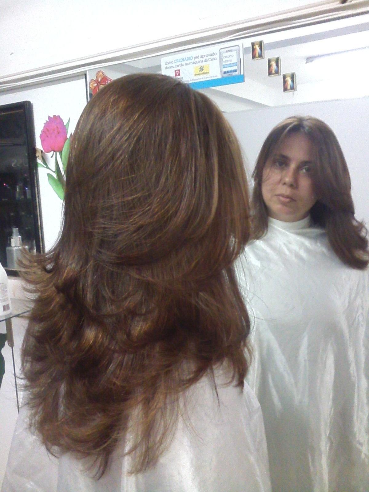 maquiagem e penteado e corte e cor, e luzes....,  Este foi feito o corte e na cor retirado o preto azulado em luzes e coloração cabeleireiro(a) stylist maquiador(a) massagista visagista