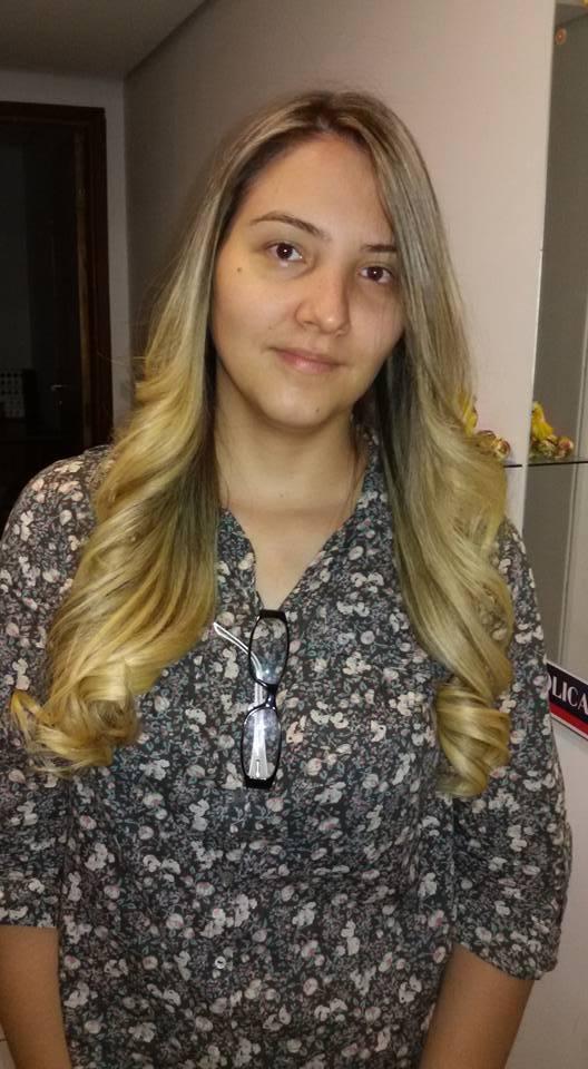 maquiagem e penteado e corte e cor, e luzes....,  Neste cabelo foi feito luzes clareando e acentuando um ombre-hair, no loiro perolado. cabeleireiro(a) stylist maquiador(a) massagista visagista