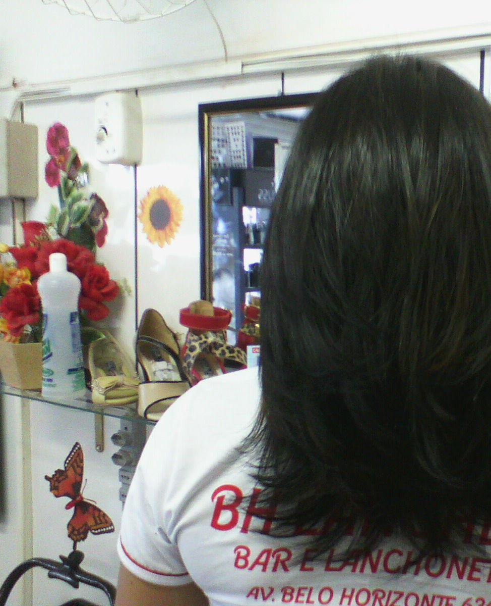 maquiagem e penteado e corte e cor, e luzes...., Vani Gomes. Depois 1 cabeleireiro(a) stylist maquiador(a) massagista visagista