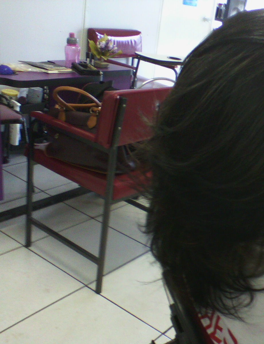 maquiagem e penteado e corte e cor, e luzes...., Vani Gomes. Depois 3 cabeleireiro(a) stylist maquiador(a) massagista visagista