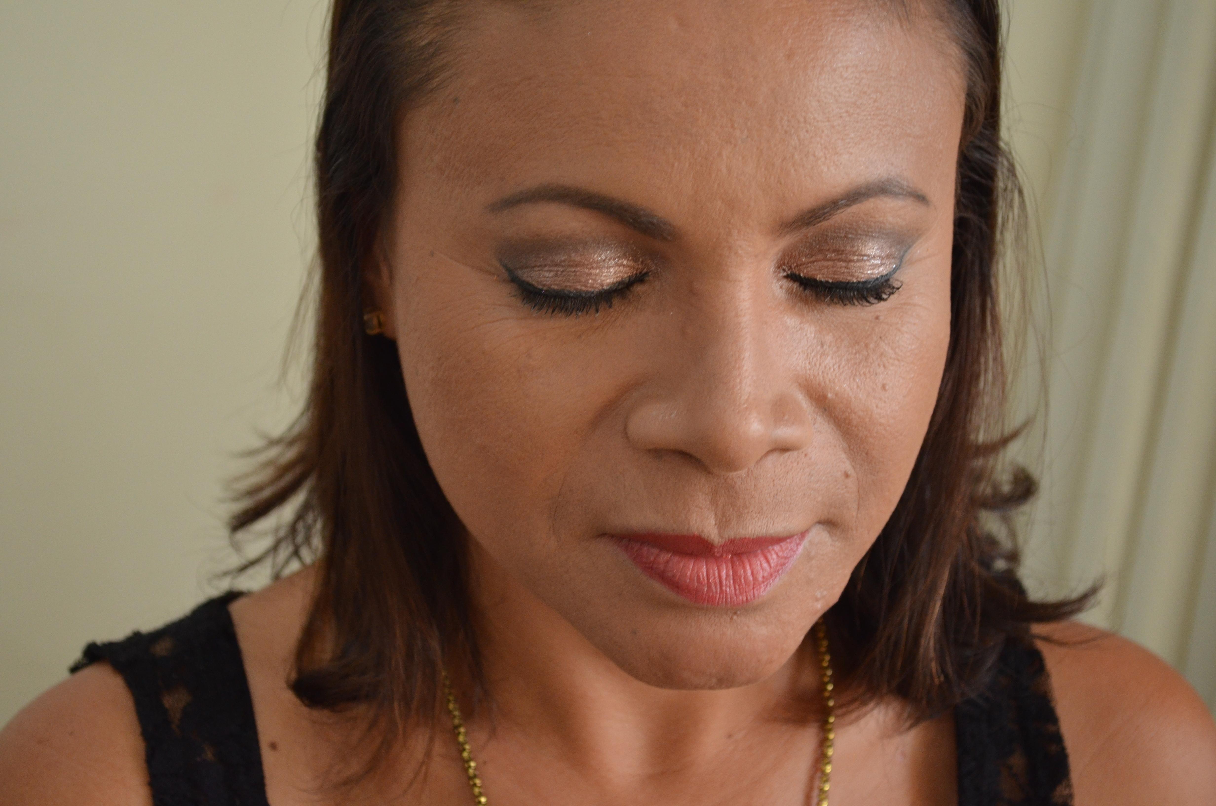 Contorno e Iluminação De curso de especialização sobre Contorno e Iluminação. maquiador(a)