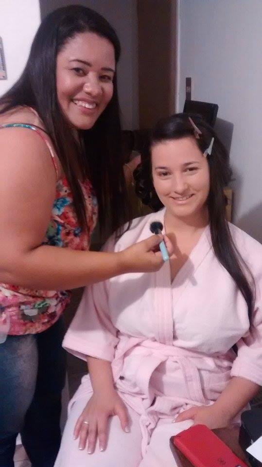 Dia da Noiva Preparando para o Dia mais Importante maquiador(a) outros