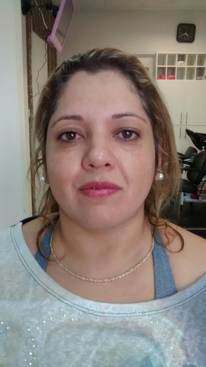 Antes maquiador(a) consultor(a) em negócios de beleza