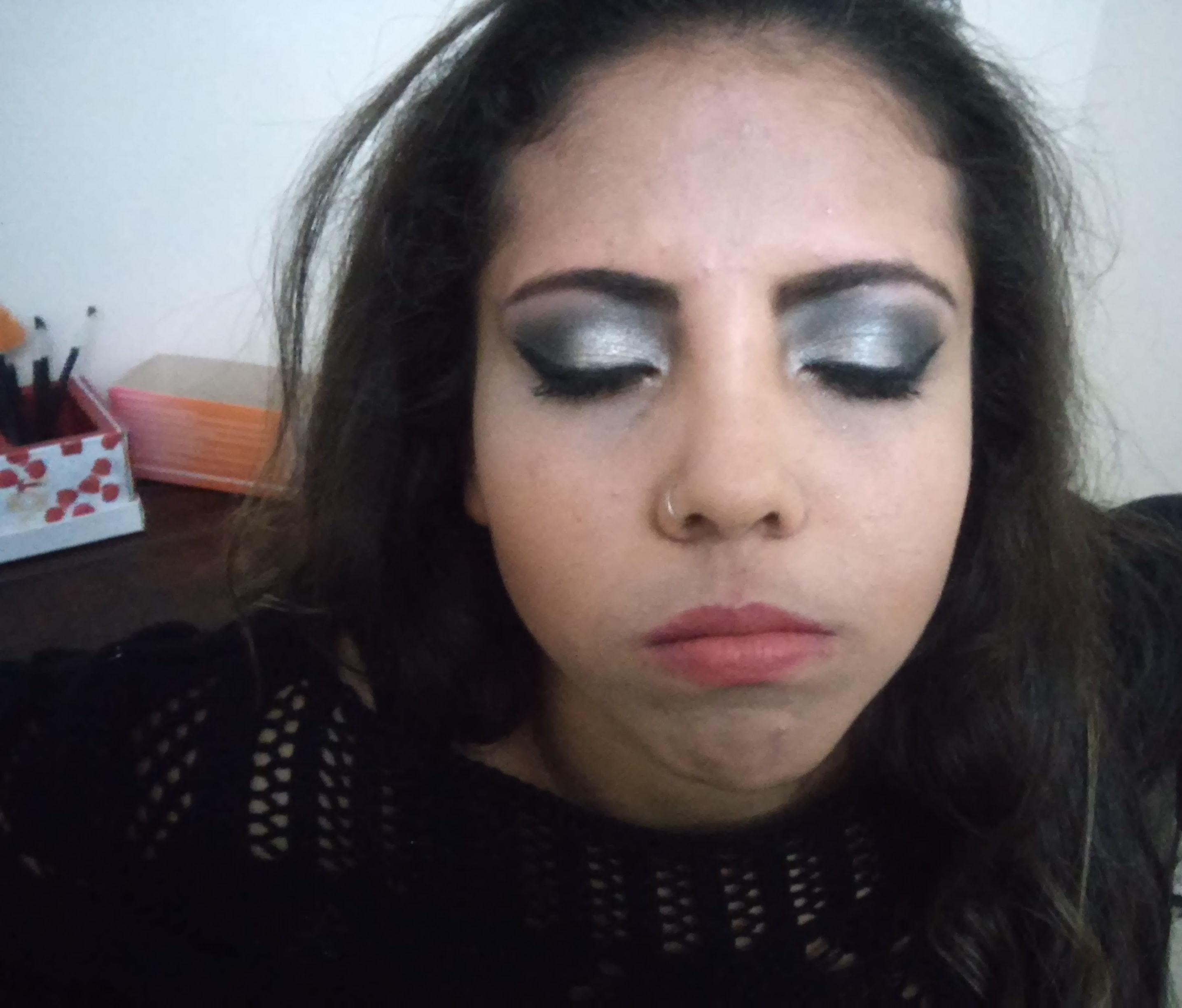 cliente linda  maquiador(a)