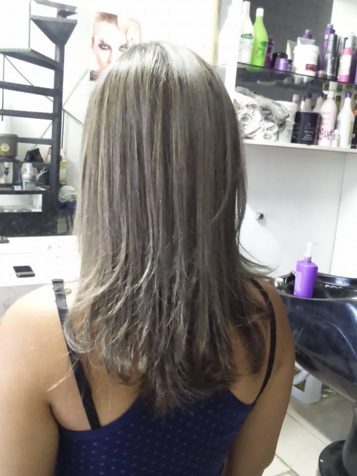 Luzes Luzes Acinzentada  cabeleireiro(a)