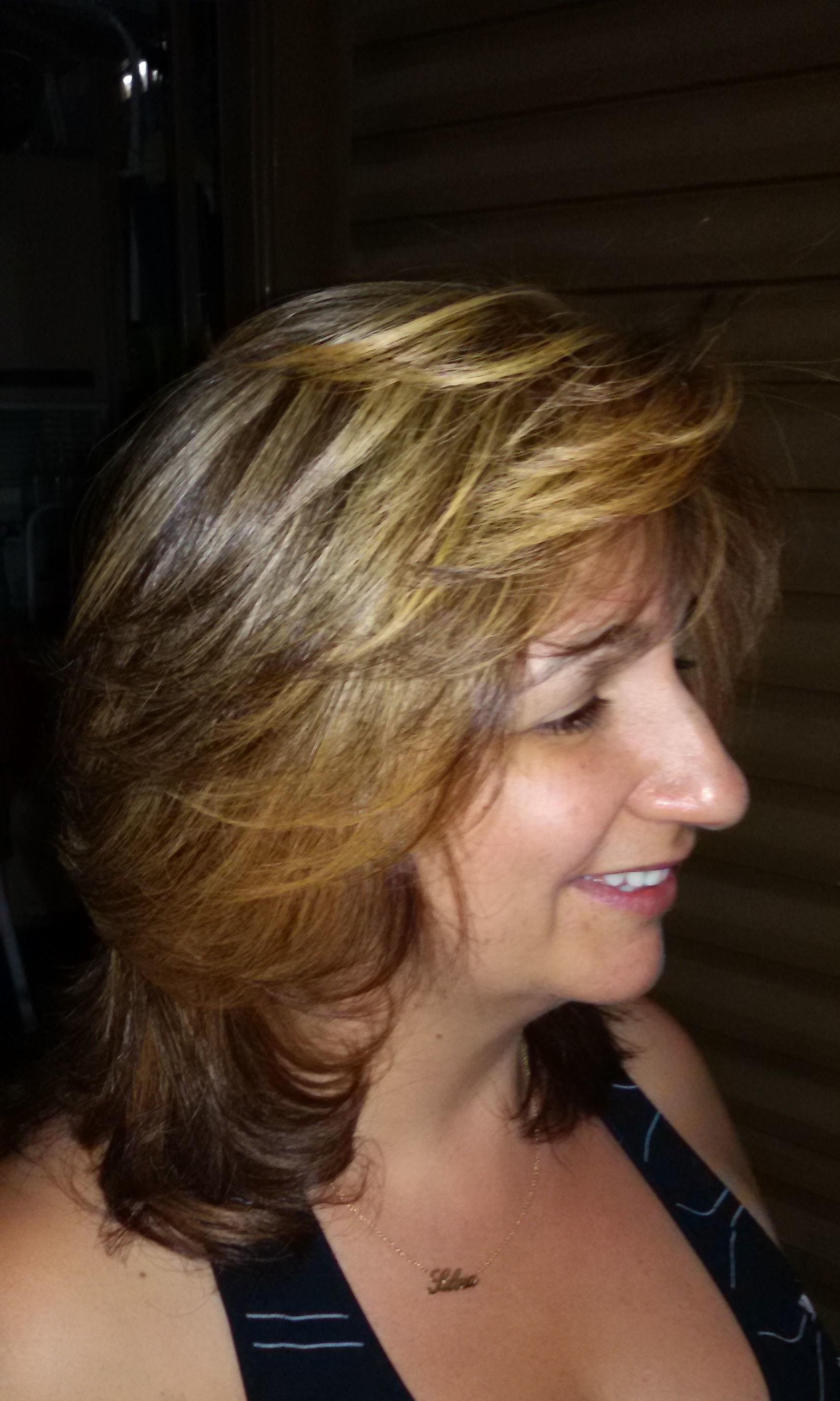 Penteados por Vani Gomes.   cabeleireiro(a) stylist maquiador(a) massagista visagista