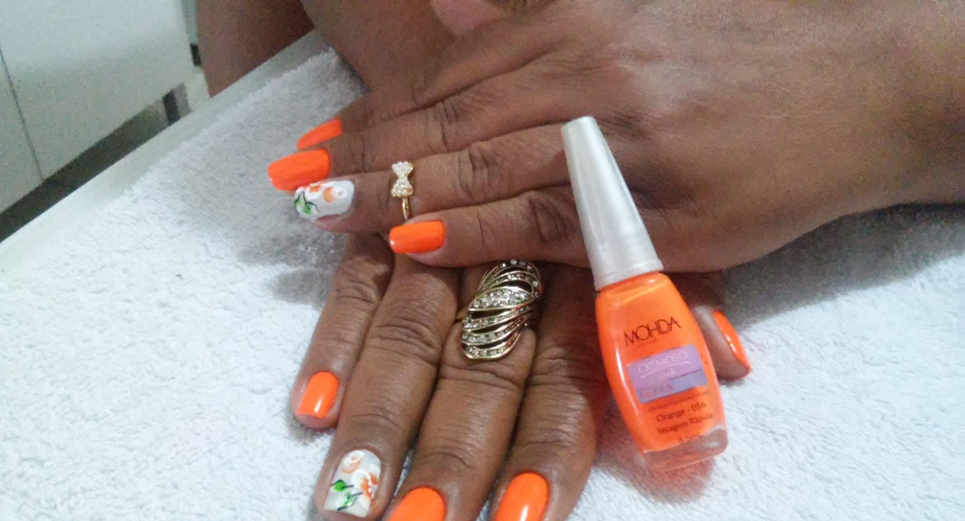 Feitas por mim. Unhas com design. 💅 manicure e pedicure