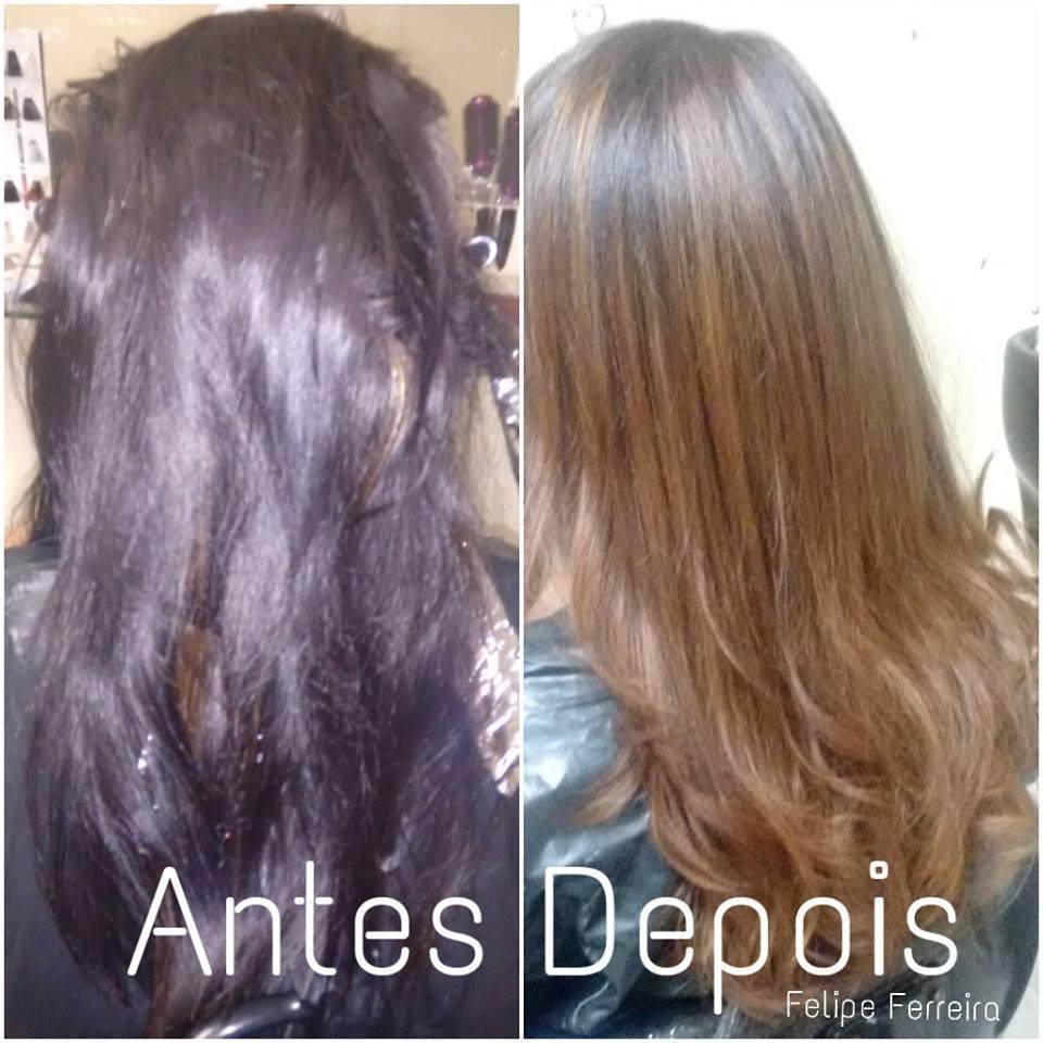 remoção de preto  antes cabelos escuro tingido de preto 1.0 depois cabelos com mechas marrom caramelo 7.74  técnica decapagem ombré . cabeleireiro(a) maquiador(a) stylist visagista terapeuta vendedor(a)