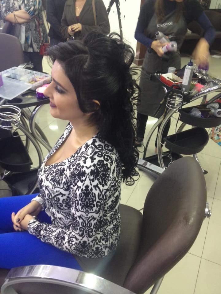 Penteado em formanda  ideal para noivas também  muito lindo  cabeleireiro(a) barbeiro(a)