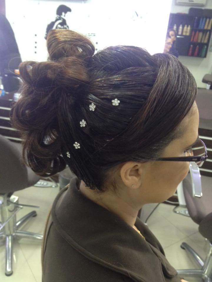 Penteado todo preso em cabelo curto (chanel) cabeleireiro(a) barbeiro(a)