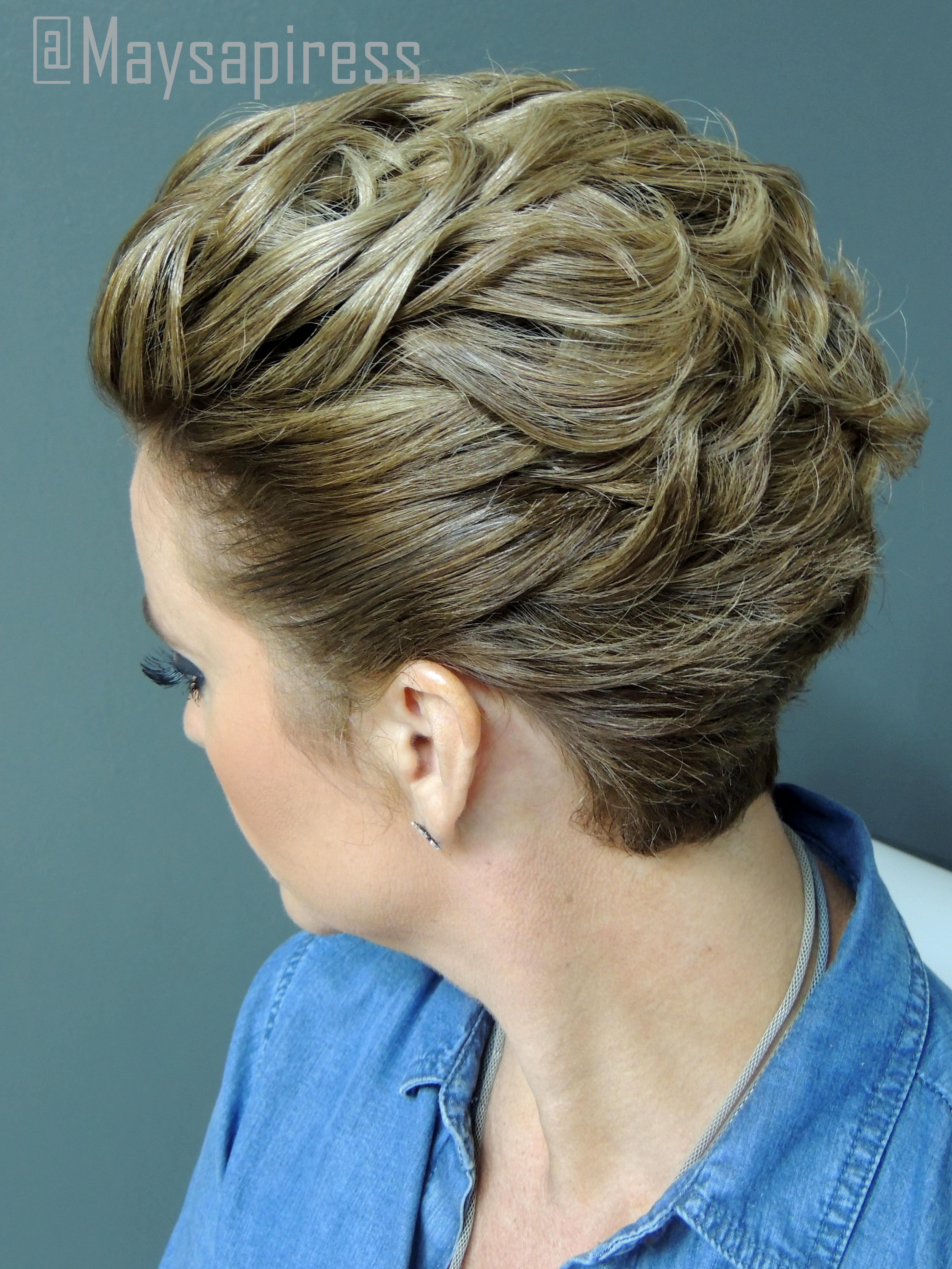 Penteado em Cabelo Curto cabeleireiro(a) stylist consultor(a) em imagem