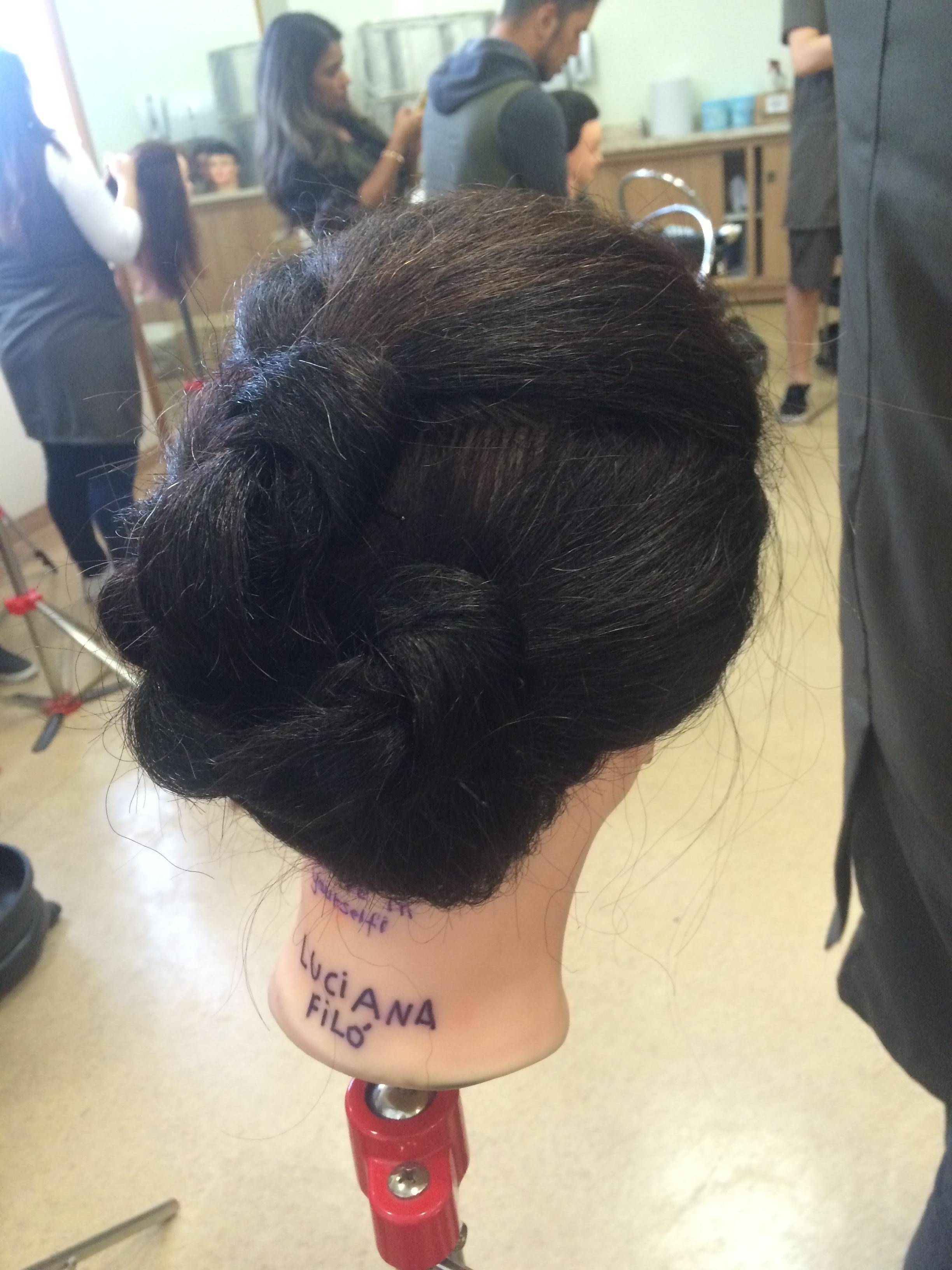 3 nós auxiliar cabeleireiro(a)