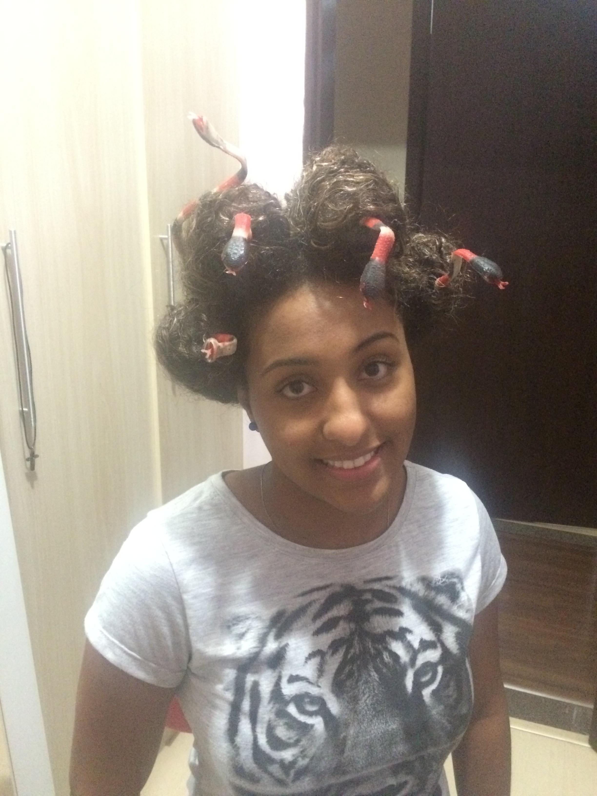 trabalho da faculdade, nova medusa auxiliar cabeleireiro(a)