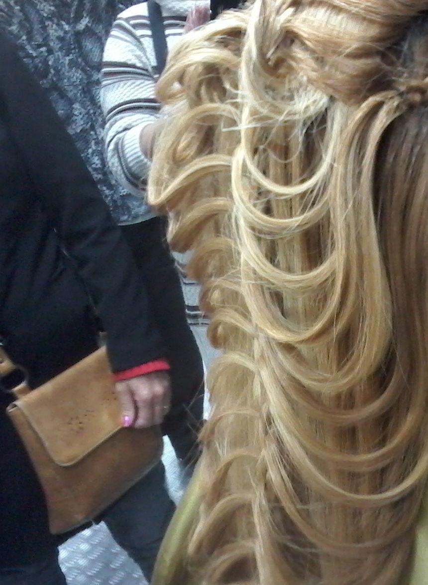 penteado Trança cascata para um casamento! cabeleireiro(a)