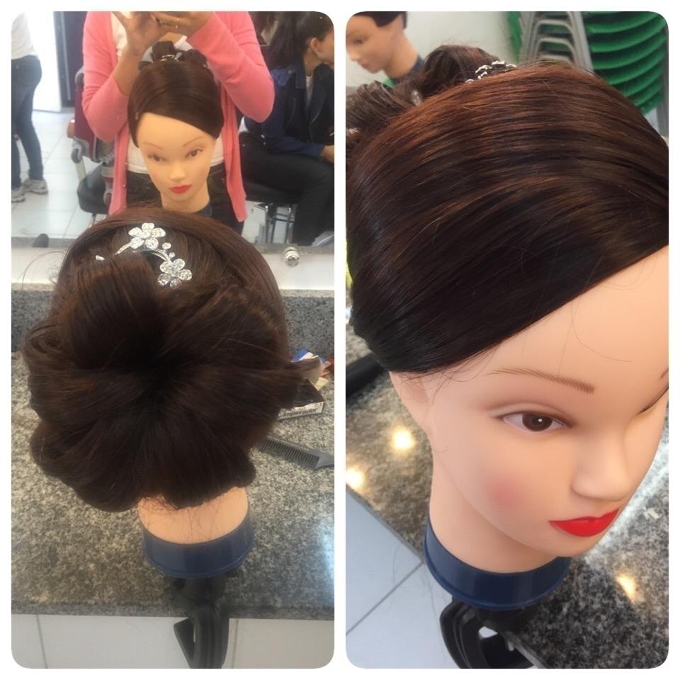 Penteado clássico  maquiador(a)