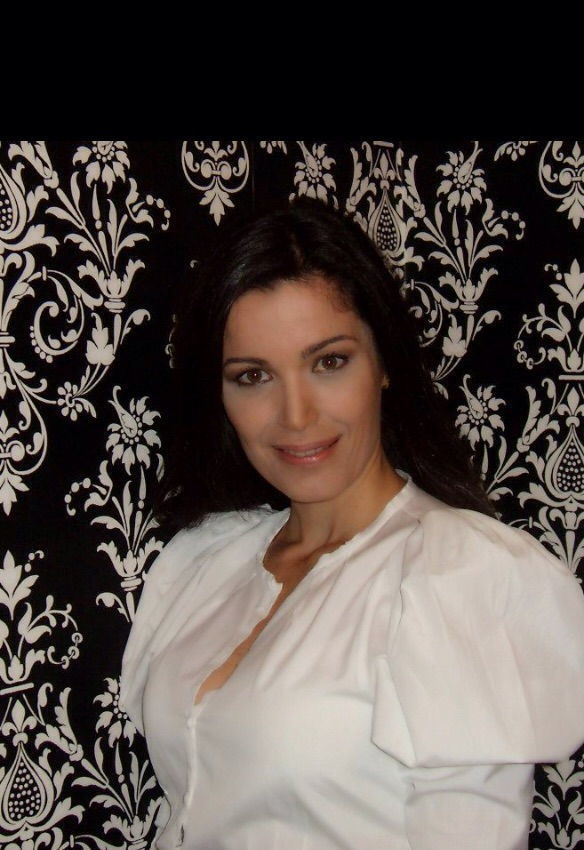 Outro momento com Francesca Giobbi para a Revista Quem! Maquiagem corrtiva e iluminação, elaborada para fotos! maquiador(a)