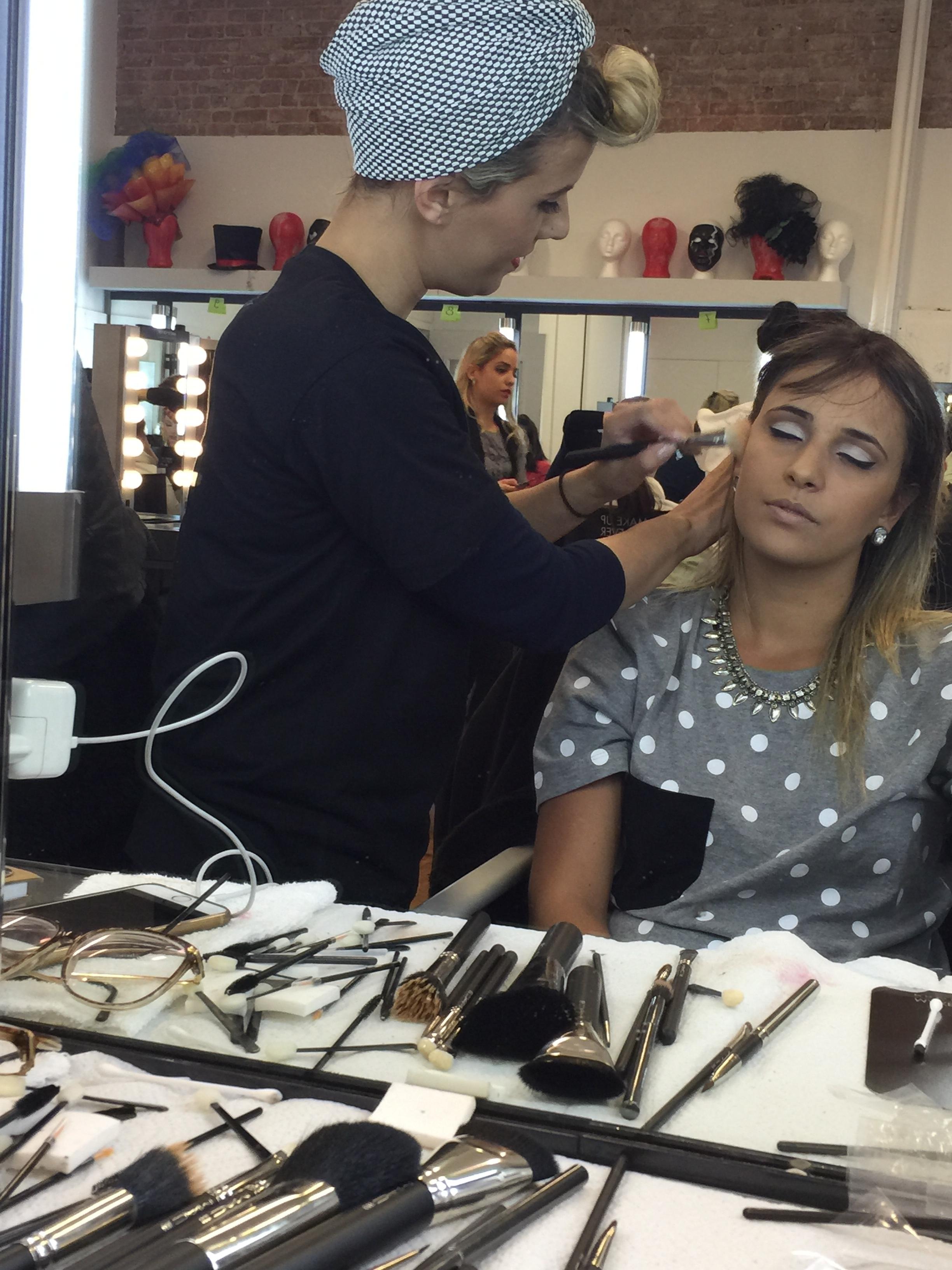 Make Retrô  NYC maquiador(a) empresário(a) / dono de negócio