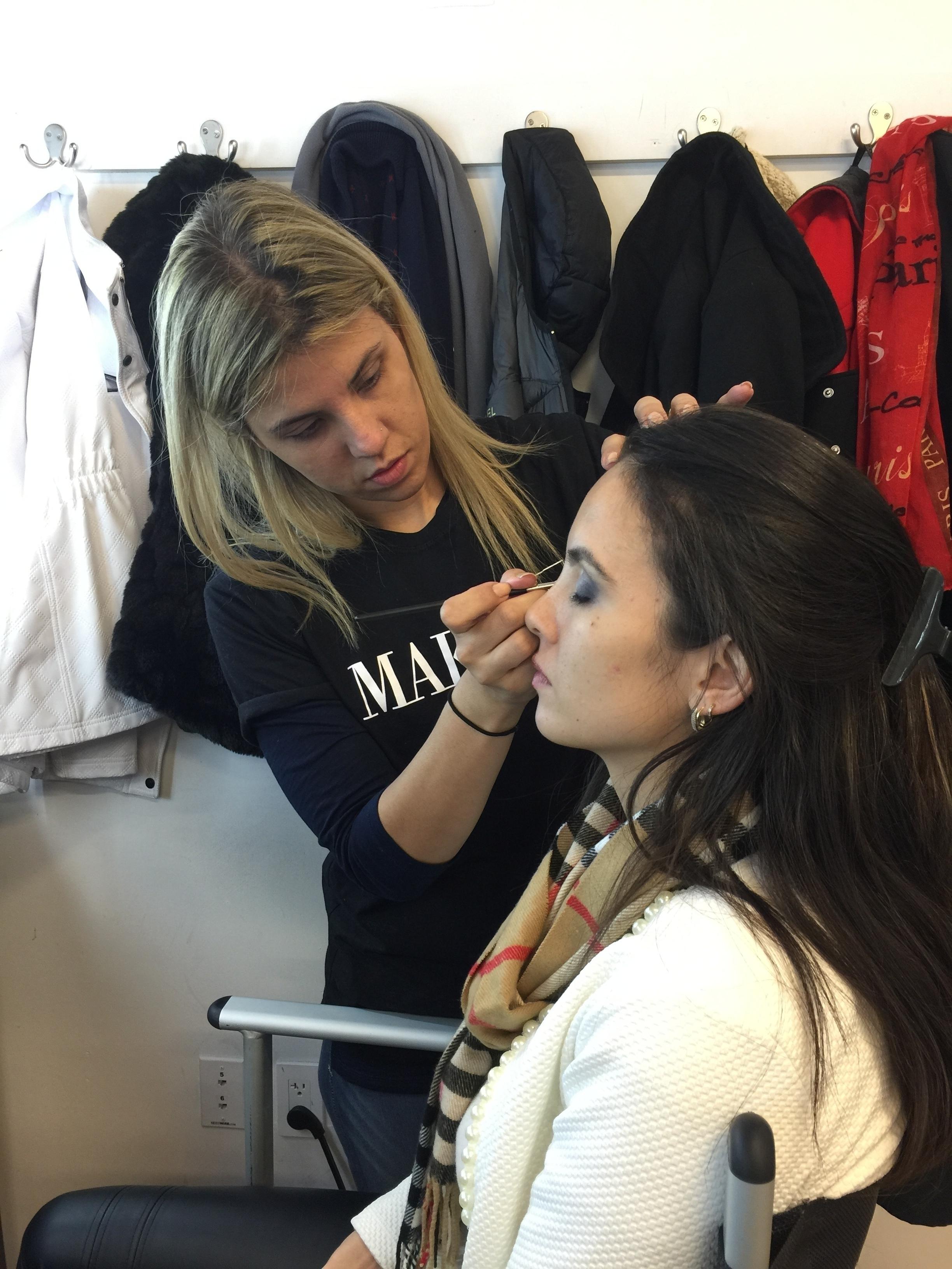 Make - Paula Benaion maquiador(a) empresário(a) / dono de negócio