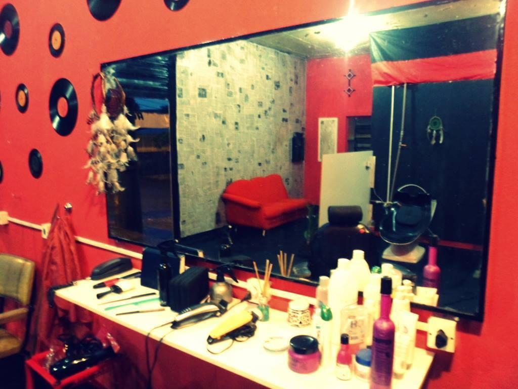 Studio HBS - Unidade Assaí cabeleireiro(a) barbeiro(a) esteticista