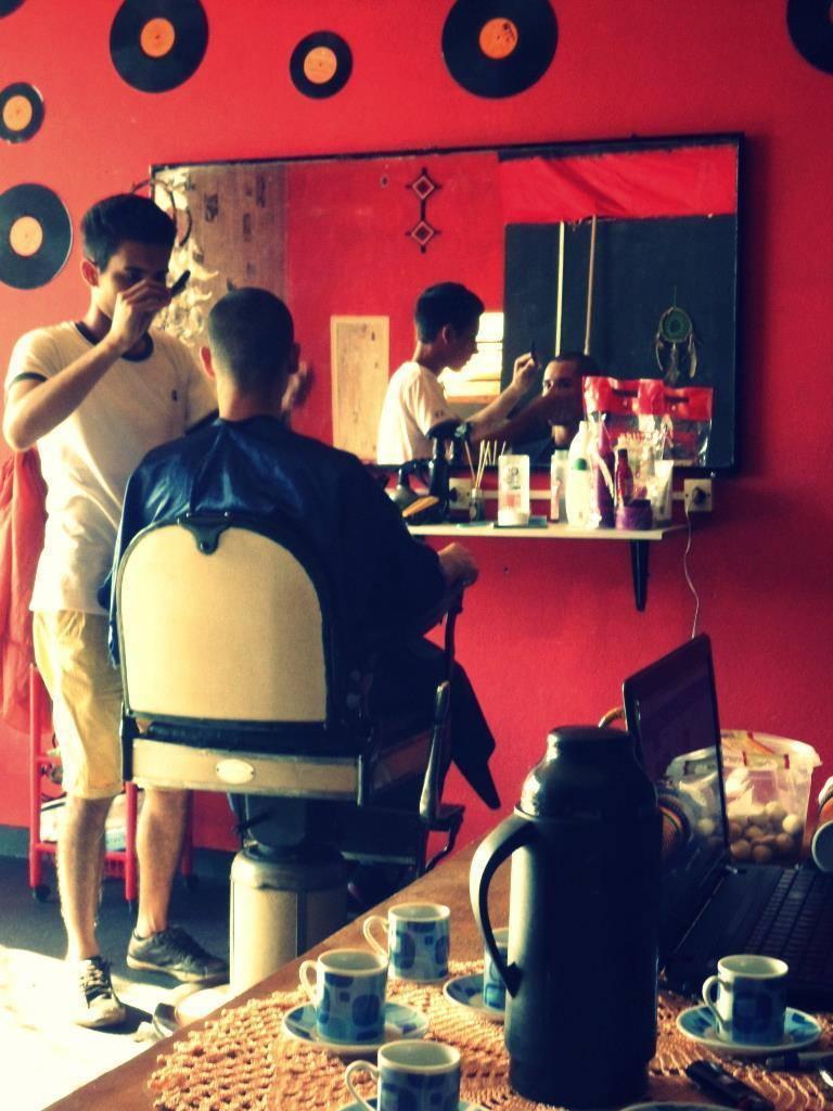 cabeleireiro(a) barbeiro(a) esteticista