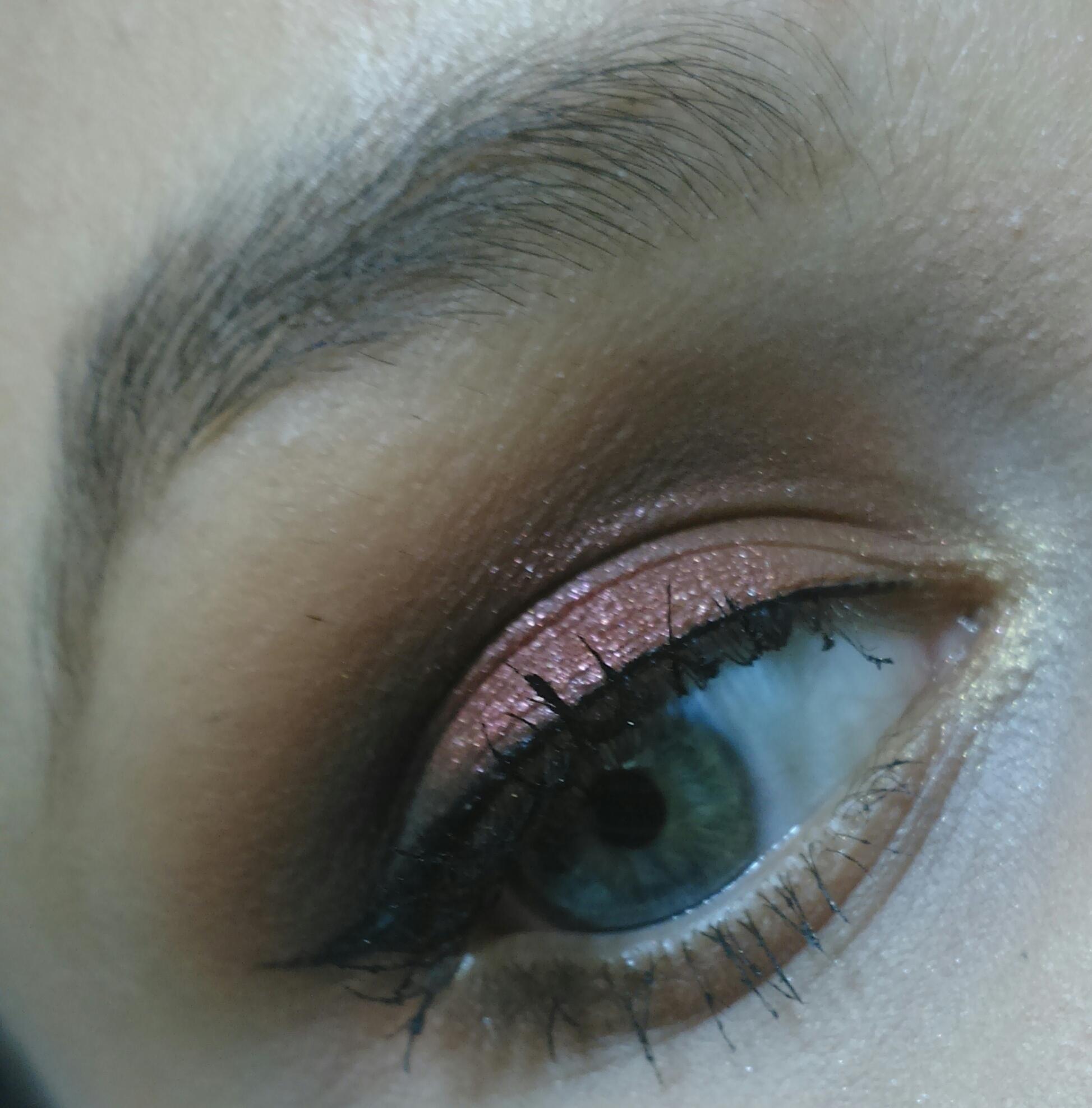 Makeup Cobre Maquiagem com tonalidades de marrom e cobre. Ótima opção para negras e mulatas, pois destaca bem em sua tonalidade de pele.  maquiador(a)