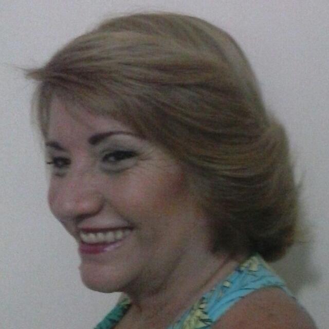 maquiador(a) escovista designer de sobrancelhas docente / professor(a) auxiliar cabeleireiro(a)