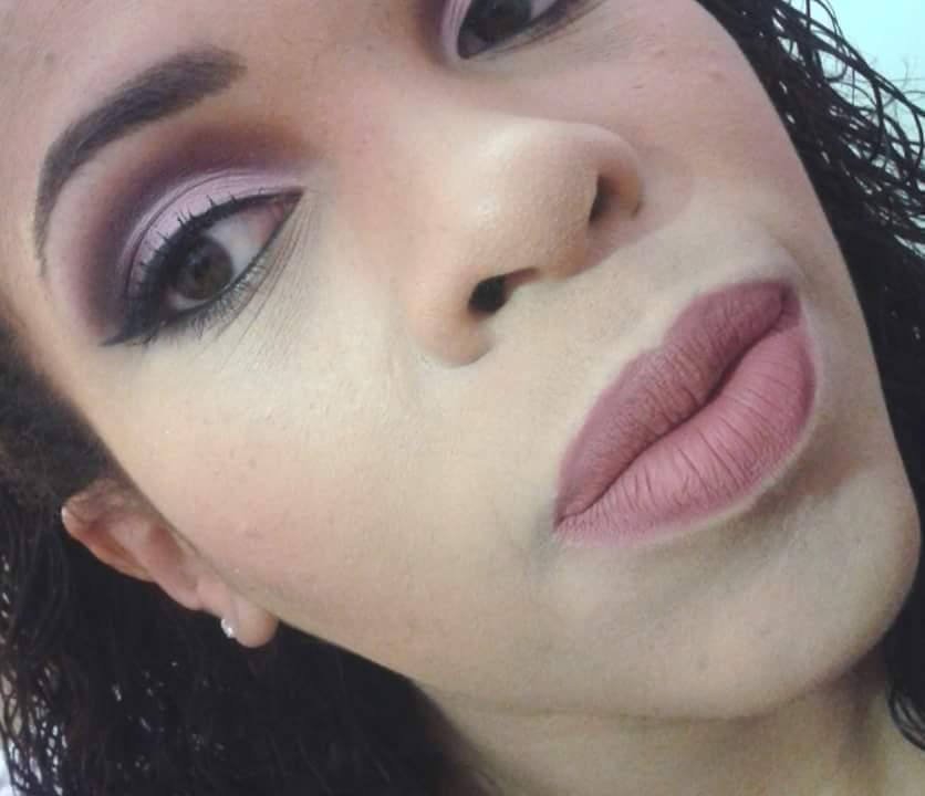 Maquiagem Marsala Maquiagem feita com sombra da contem 1g e batom dailus na cor marsala maquiador(a)