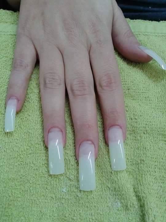 Unhas em gel  manicure e pedicure cabeleireiro(a)