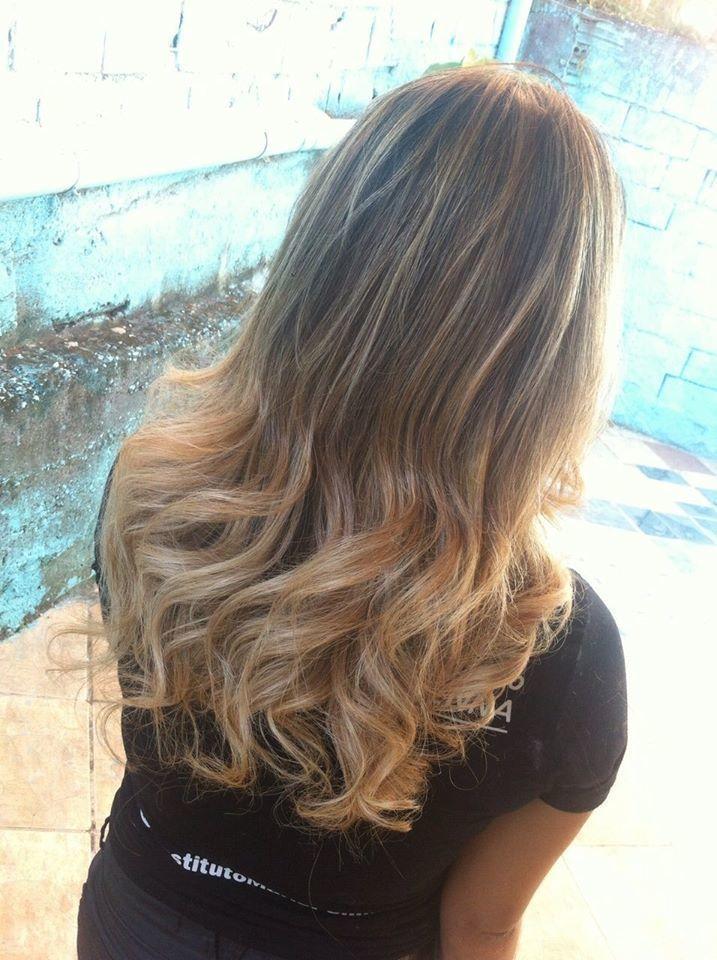 Blond Blond suave! Venha clarear as madeixas no seu estilo! Atendimento também a domicílio! maquiador(a) designer de sobrancelhas cabeleireiro(a) stylist