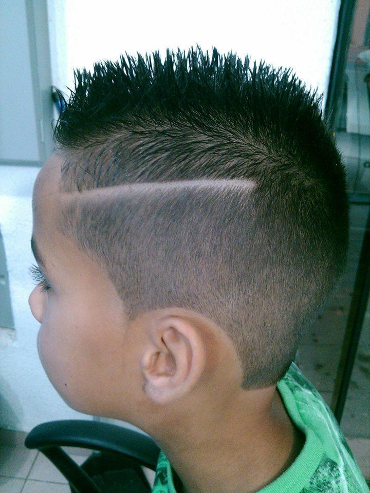 CORTE INFANTIL  CORTE INFANTIL COM RICA LATERAL  cabeleireiro(a)