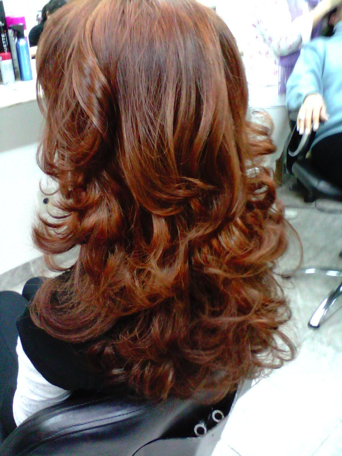 ruivo, escova, ondulado cabelo  cabeleireiro(a) maquiador(a)
