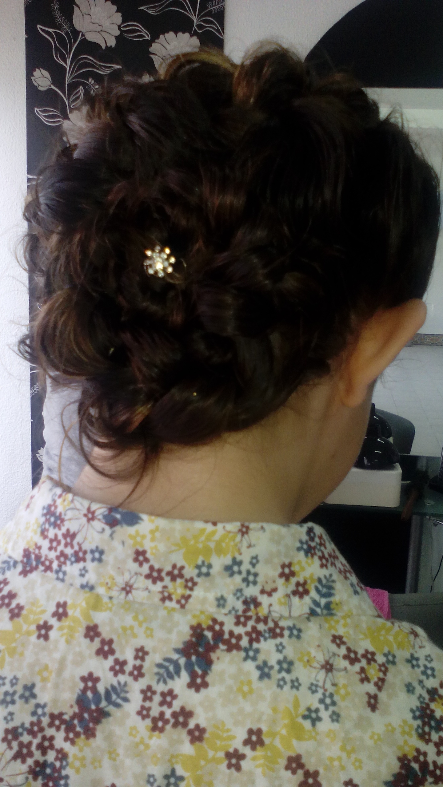 cabeleireiro(a) esteticista massoterapeuta cabeleireiro(a) esteticista massoterapeuta