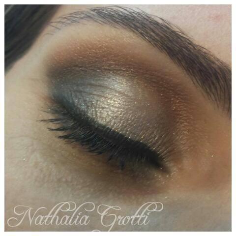 dourado, verde, esfumado maquiagem  maquiador(a)