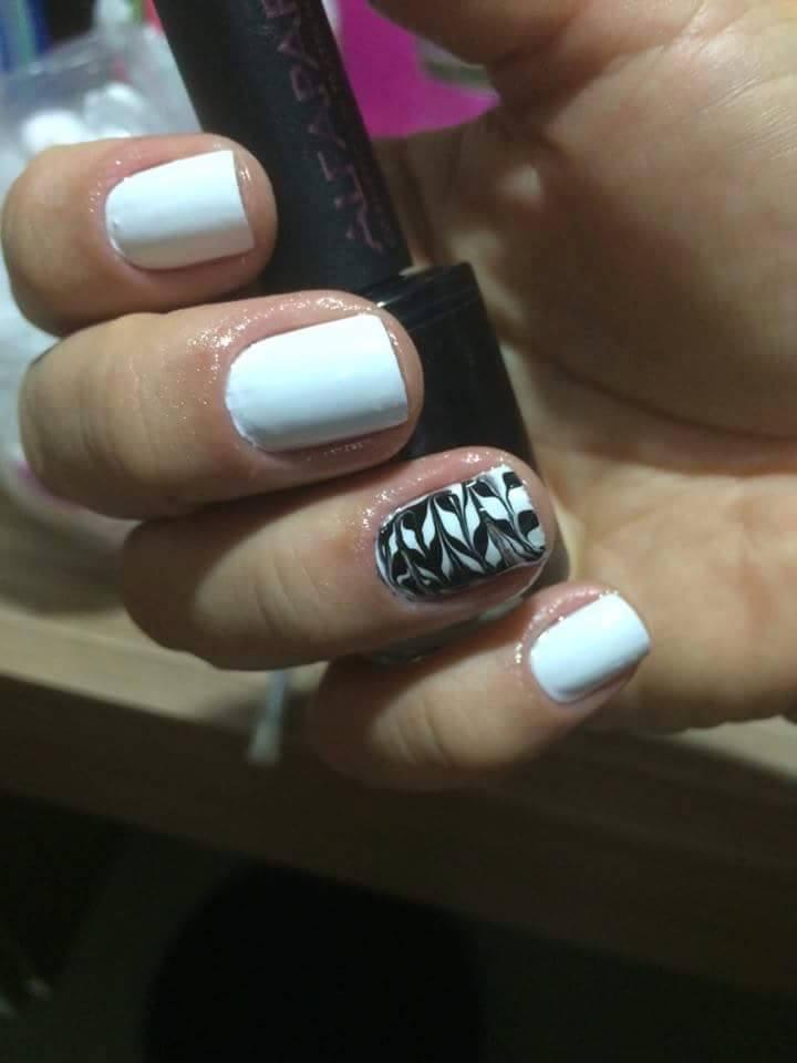 manicure e pedicure massoterapeuta