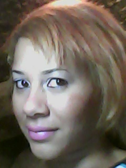 make chik e cabelo loiro com luzes maquiagem maquiador(a) designer de sobrancelhas manicure e pedicure massagista cabeleireiro(a) outros