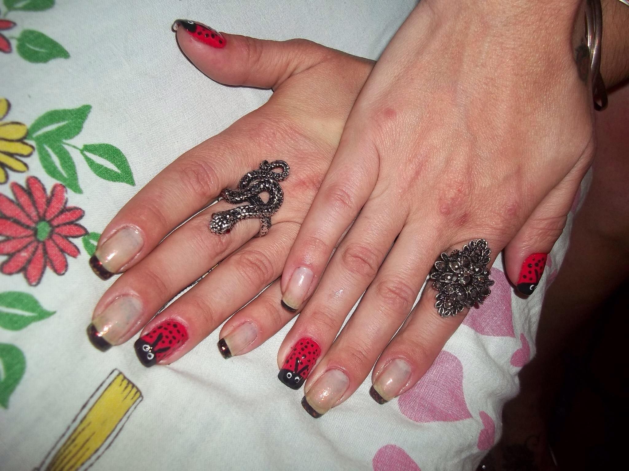 assistente maquiador(a) manicure e pedicure
