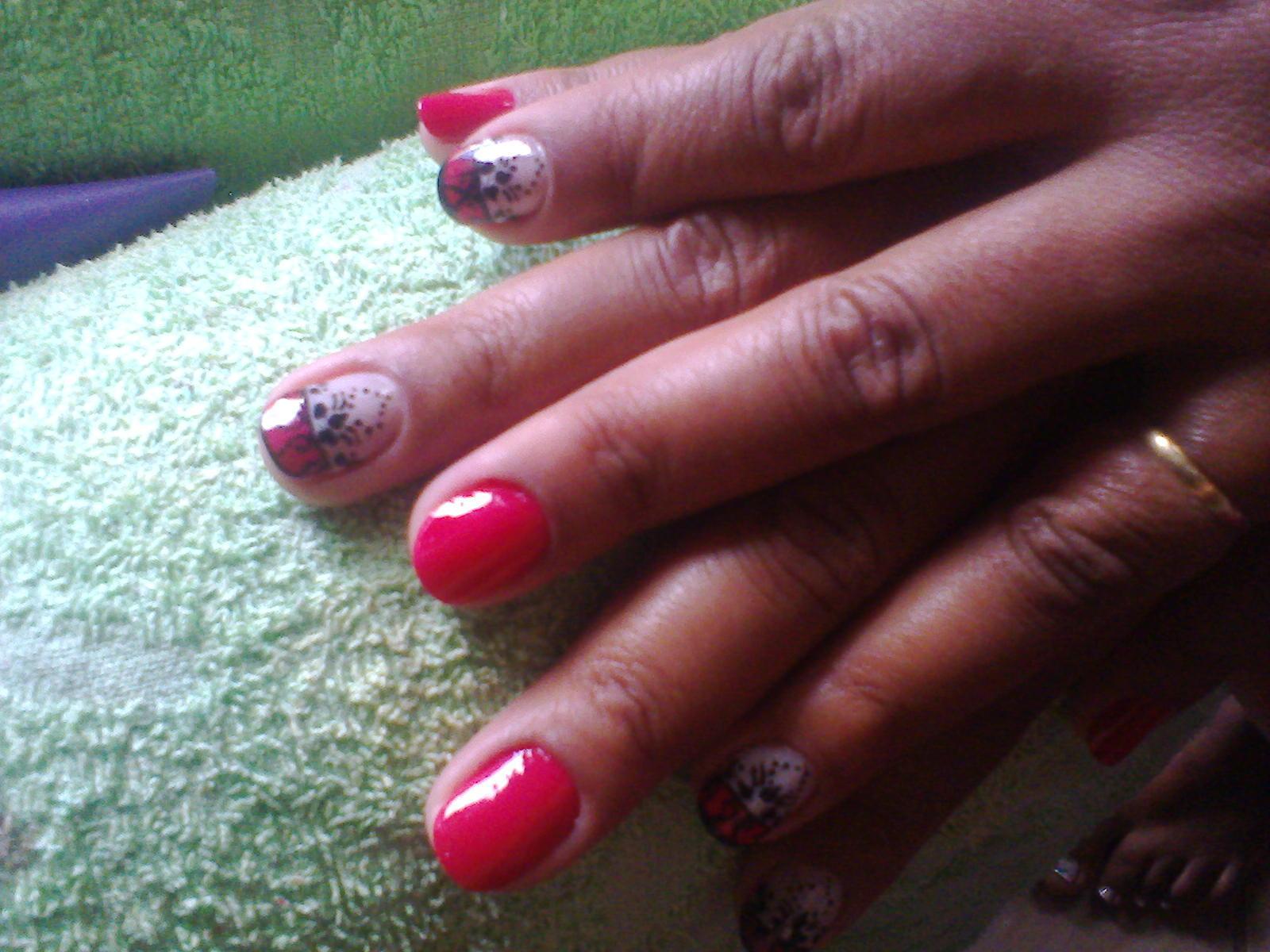 cabeleireiro(a) designer de sobrancelhas manicure e pedicure