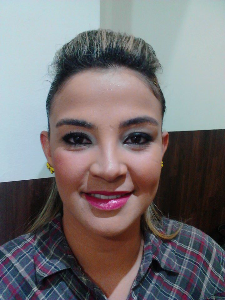 cabeleireiro(a) designer de sobrancelhas dermopigmentador(a) aromaterapeuta consultor(a) em imagem depilador(a) estudante esteticista stylist / visagista