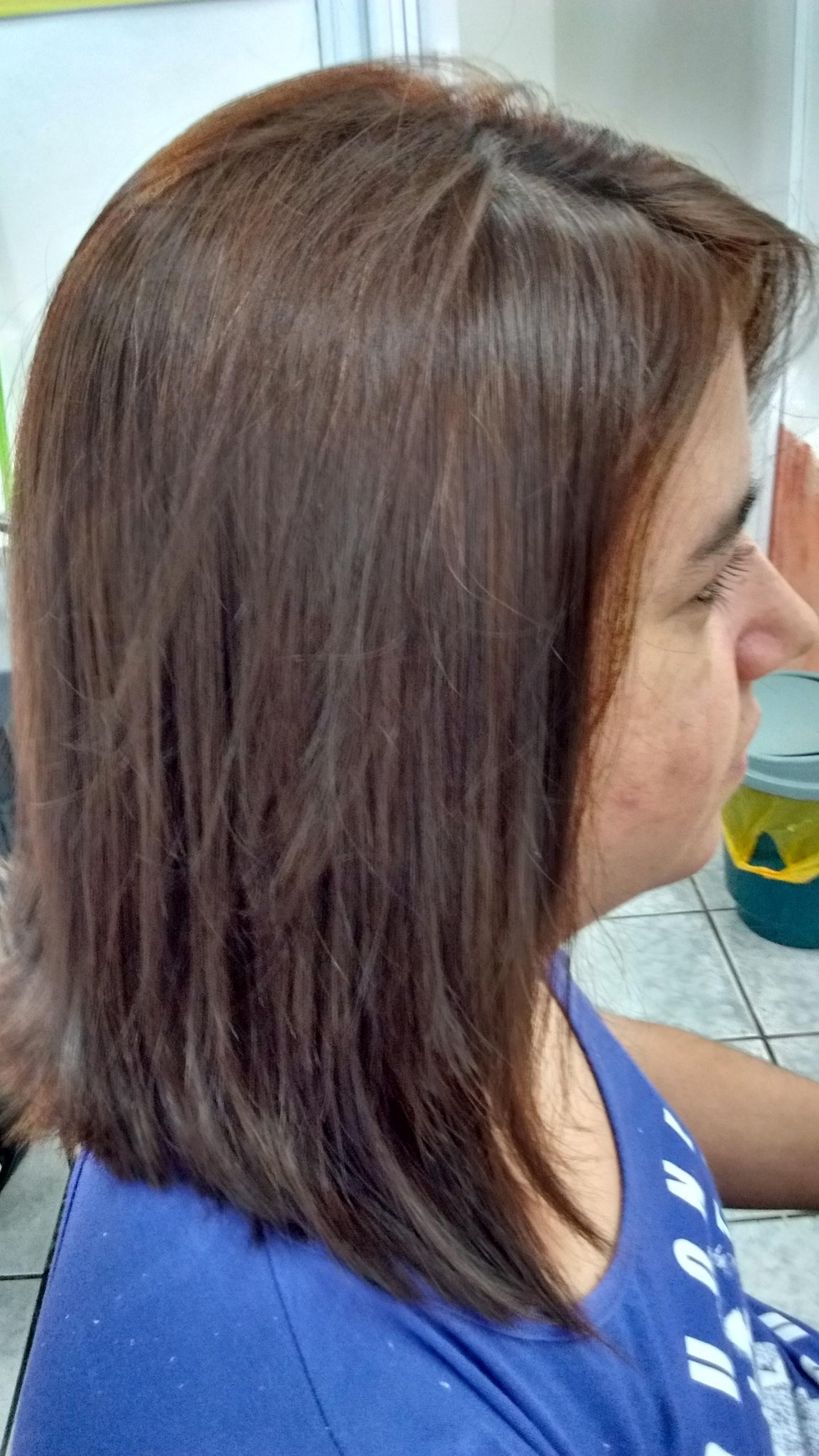 cabeleireiro(a) assistente esteticista designer de sobrancelhas