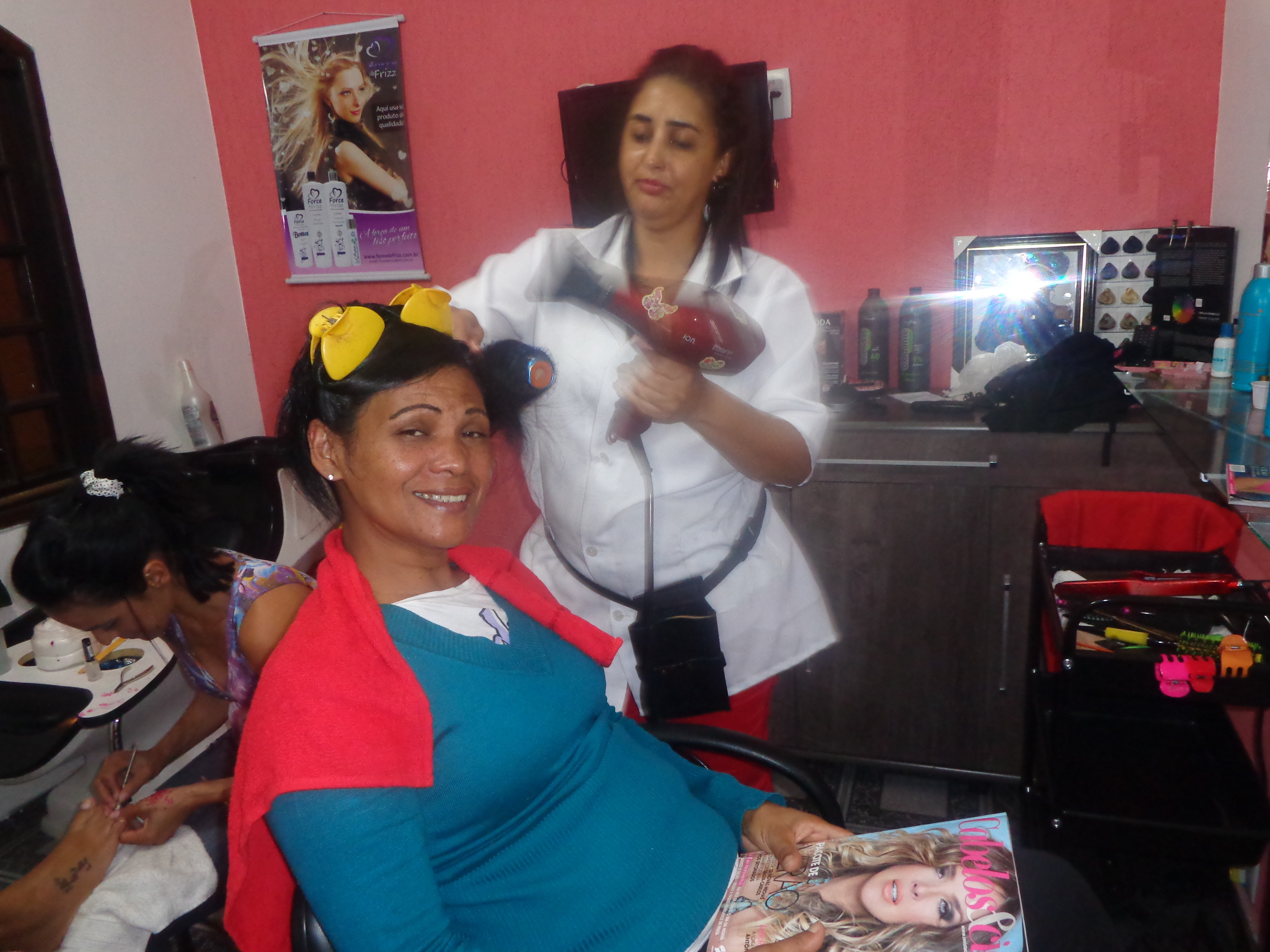 esteticista acupunturista auxiliar cabeleireiro(a)