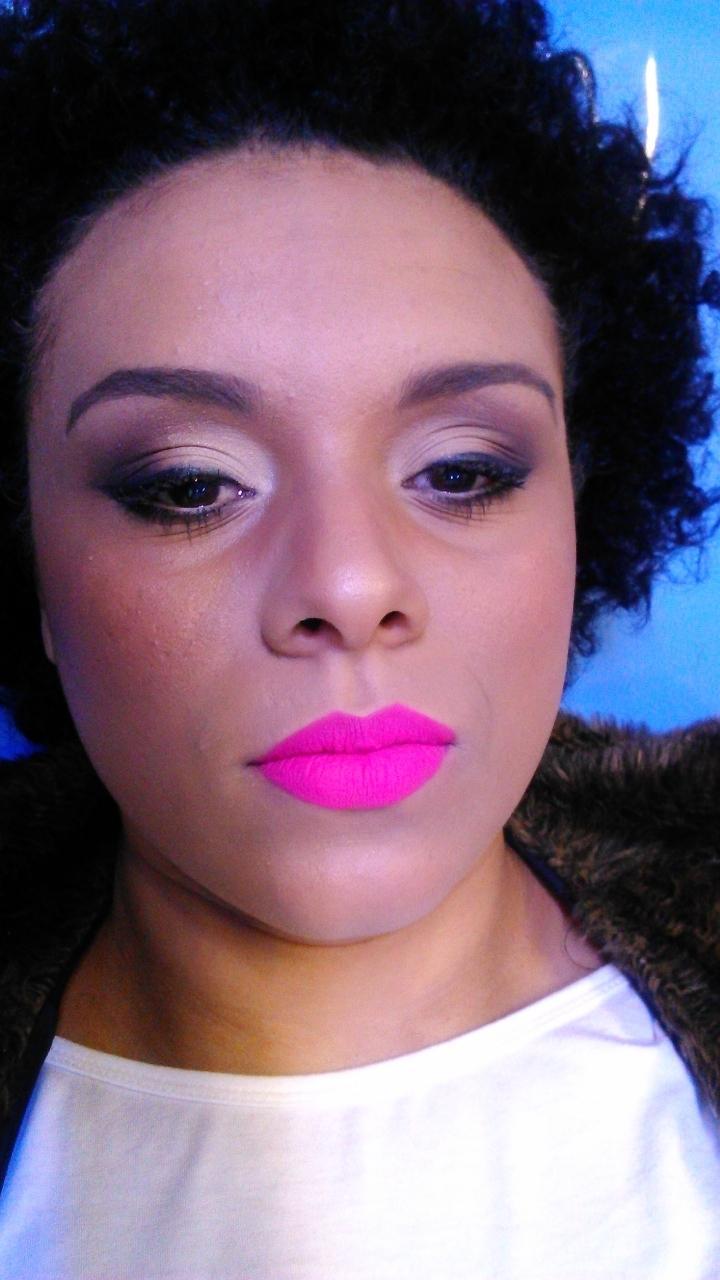 maquiador(a) esteticista designer de sobrancelhas