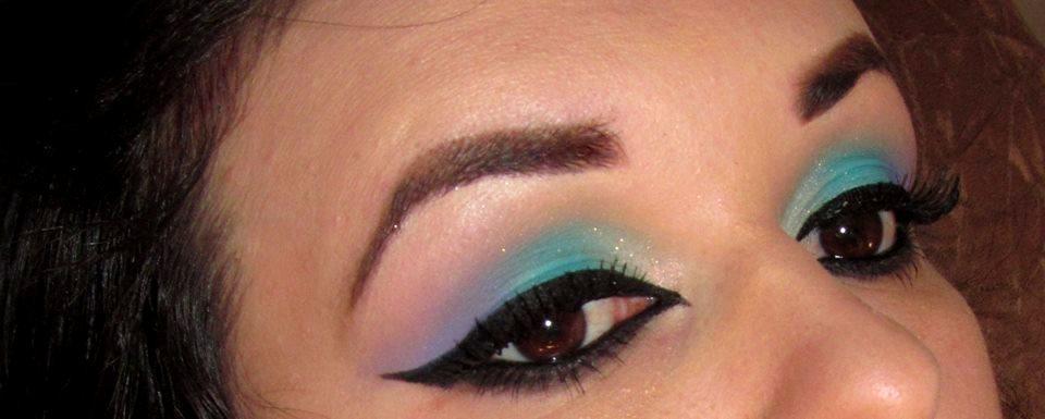 maquiagem colorida, delineado marcado, roxo, azul maquiagem  maquiador(a)