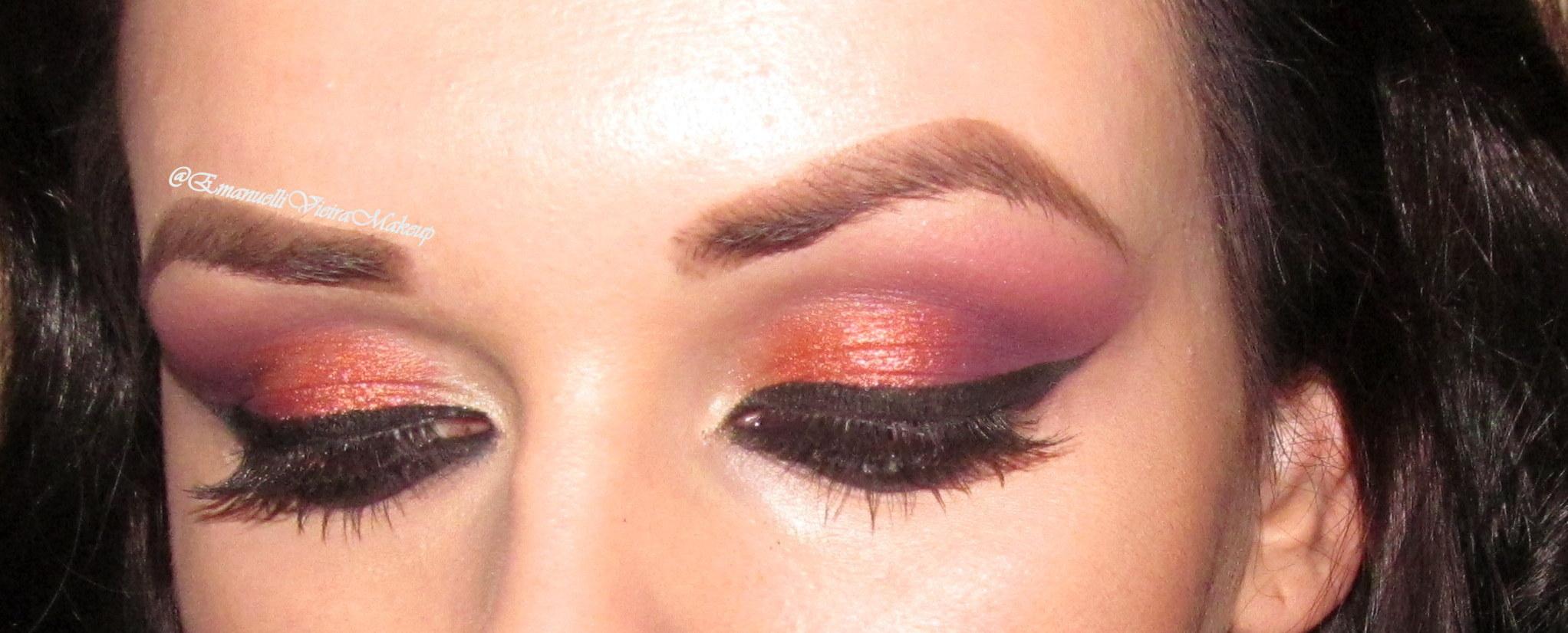 maquiagem colorida, delineado marcado, roxo, laranja maquiagem  maquiador(a)