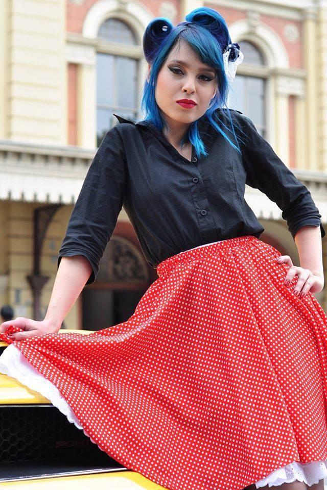 #pinup #maquiagem #classicmakeup #bluehair #cabeloazul #vintagegirl #rockabilly maquiador(a)