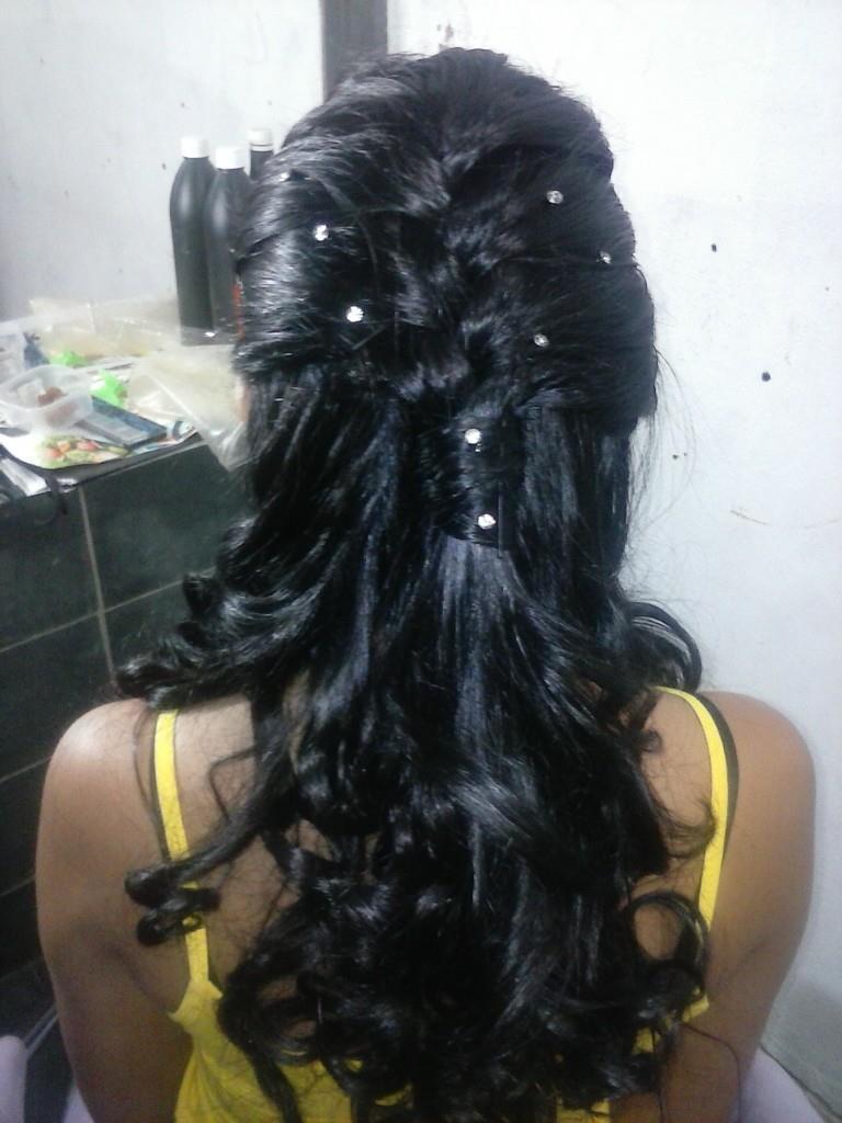 Coloração e penteado. cabeleireiro(a)