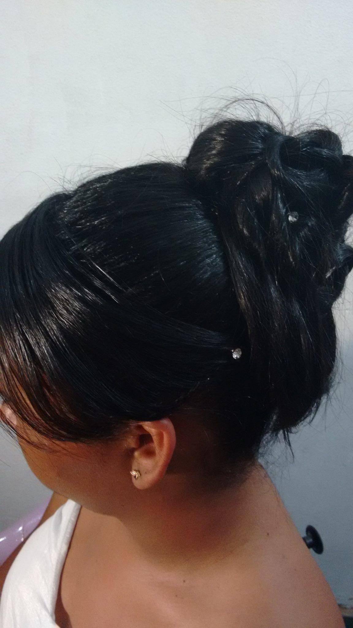 Coque com  estilo.#arrasou cabeleireiro(a)