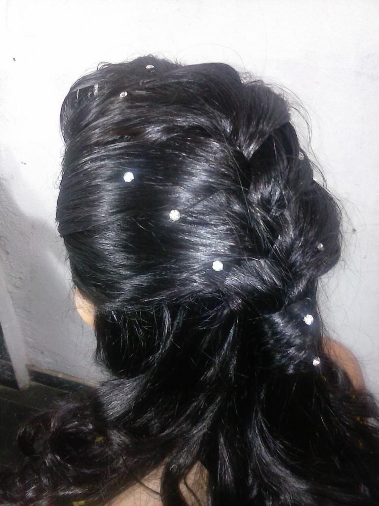 Trança embutida.#bailedeformatura cabeleireiro(a)