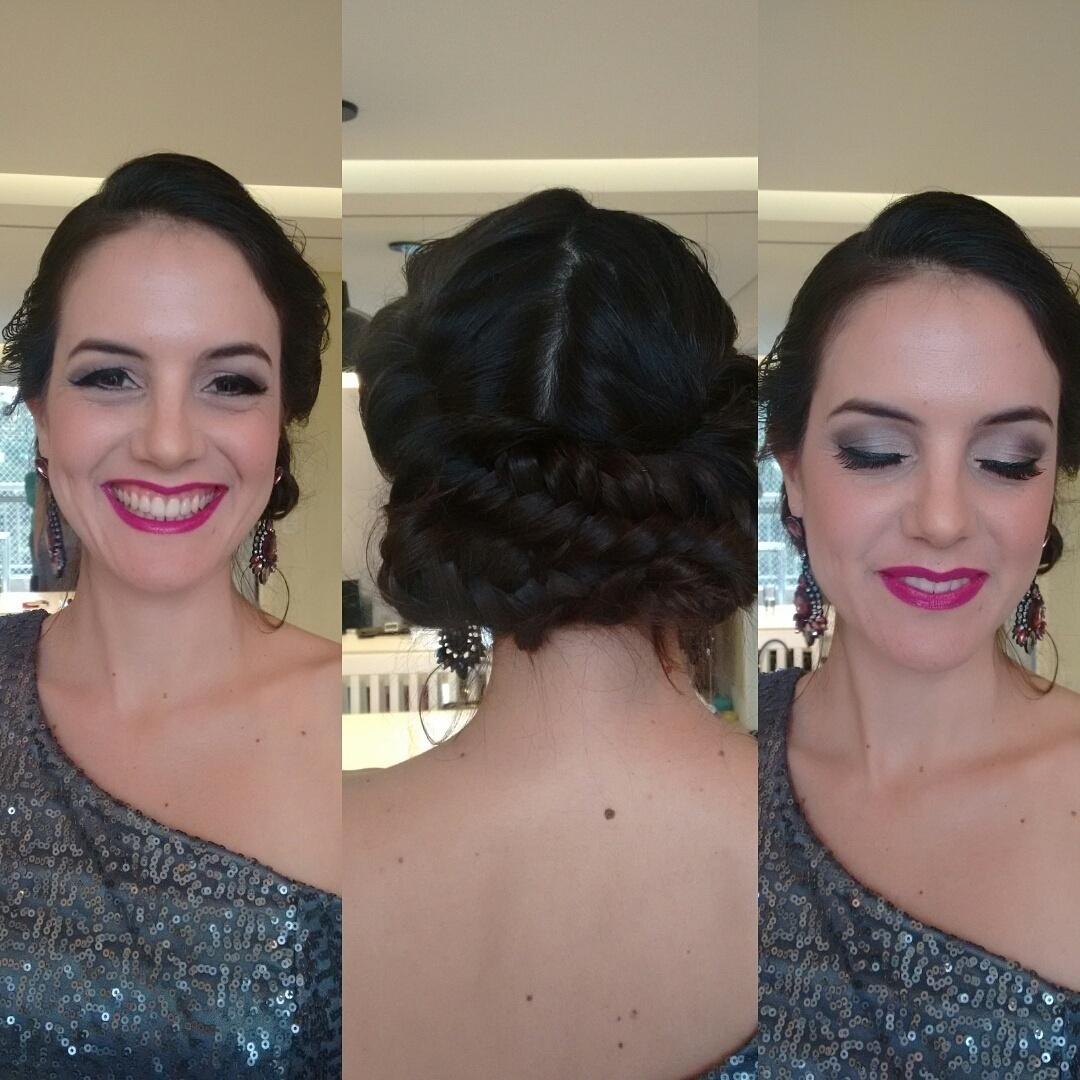 Madrinha de casamento. make & hair  #esfumado #clássico # makeup #primenegazzo #batompink #trança micropigmentador(a) escovista maquiador(a) designer de sobrancelhas