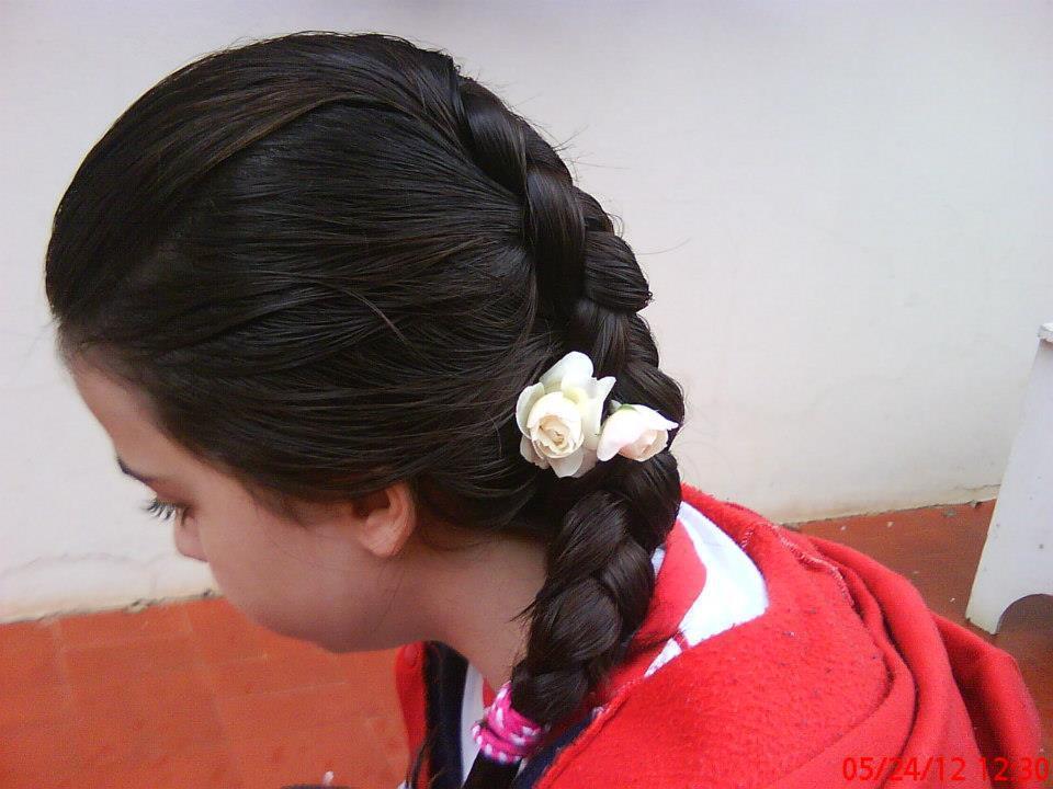 Trança embutida invertida, trança por cima, finalizada com rosas na Maria Victória. designer de sobrancelhas escovista manicure e pedicure outros