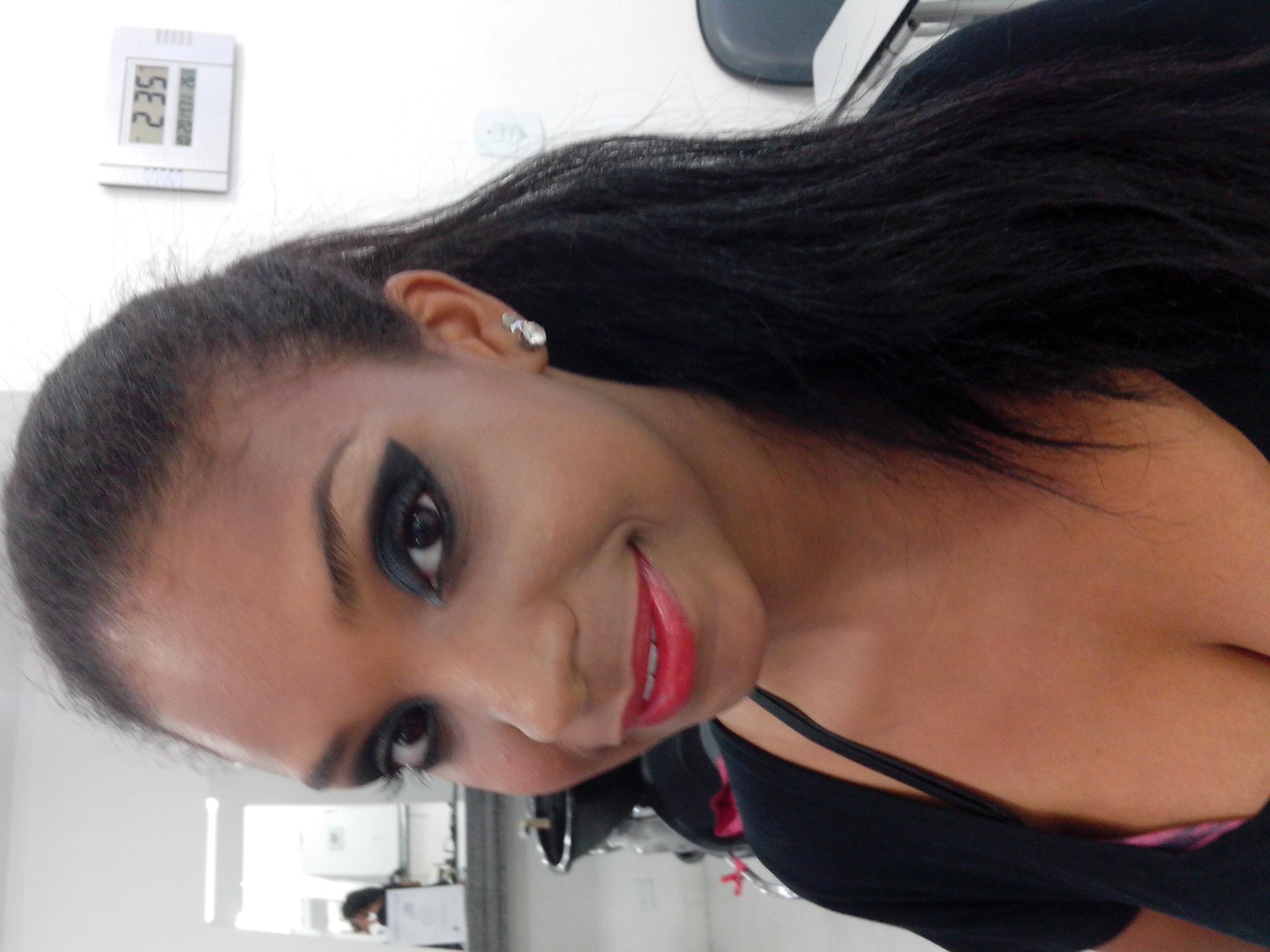 depilador(a) assistente esteticista assistente maquiador(a) designer de sobrancelhas